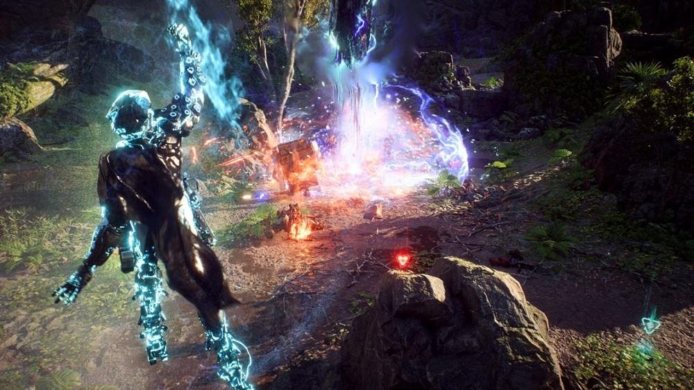 Storm javelin damaging enemies with Elemental Storm.