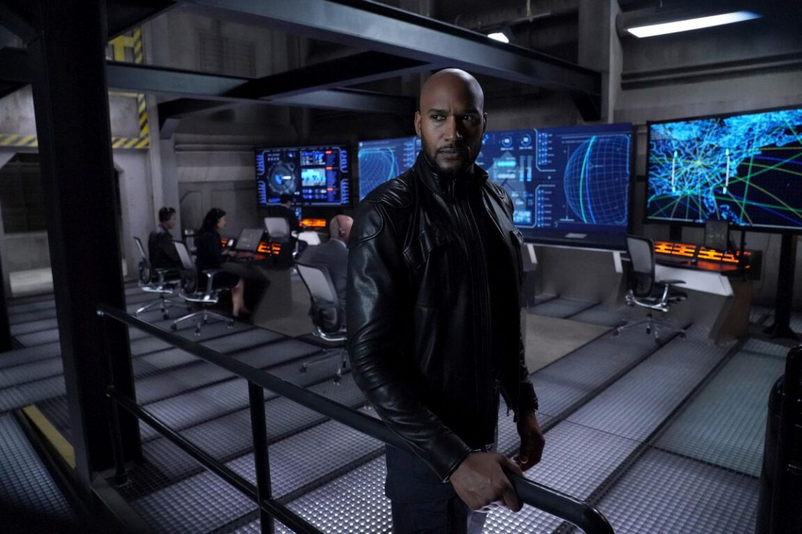 "Henry Simmons is Agent Alphonso ""Mack"" Mackenzie in MARVEL'S AGENTS OF S.H.I.E.L.D."