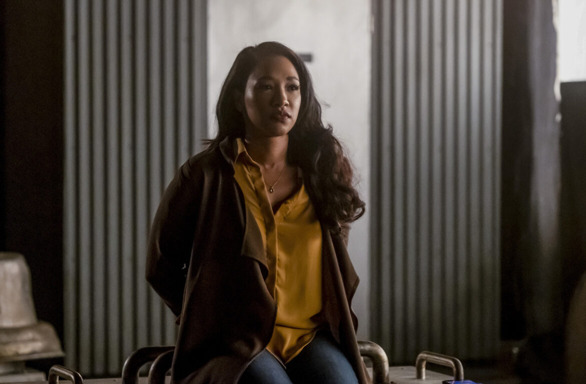 Iris is in a dangerous situation on The Flash