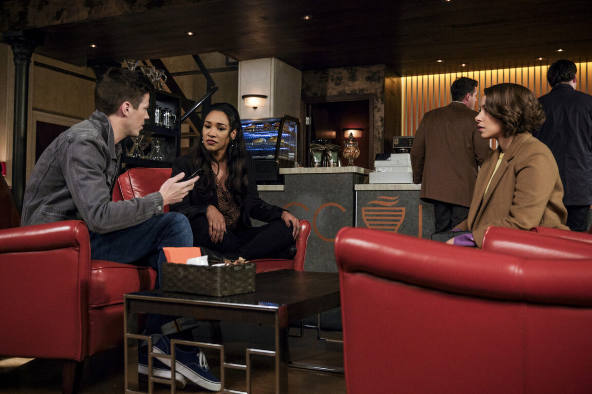 Barry discusses an alert with Nora and Iris on The Flash.