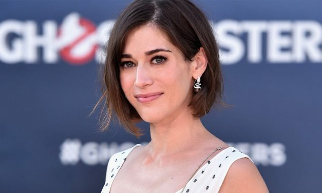 Lizzy Caplan Leads the Cast for CASTLE ROCK Season 2
