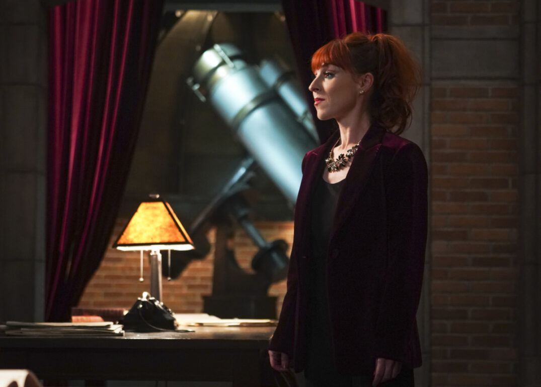 Rowena makes a dangerous deal in Supernatural, Ouroboros