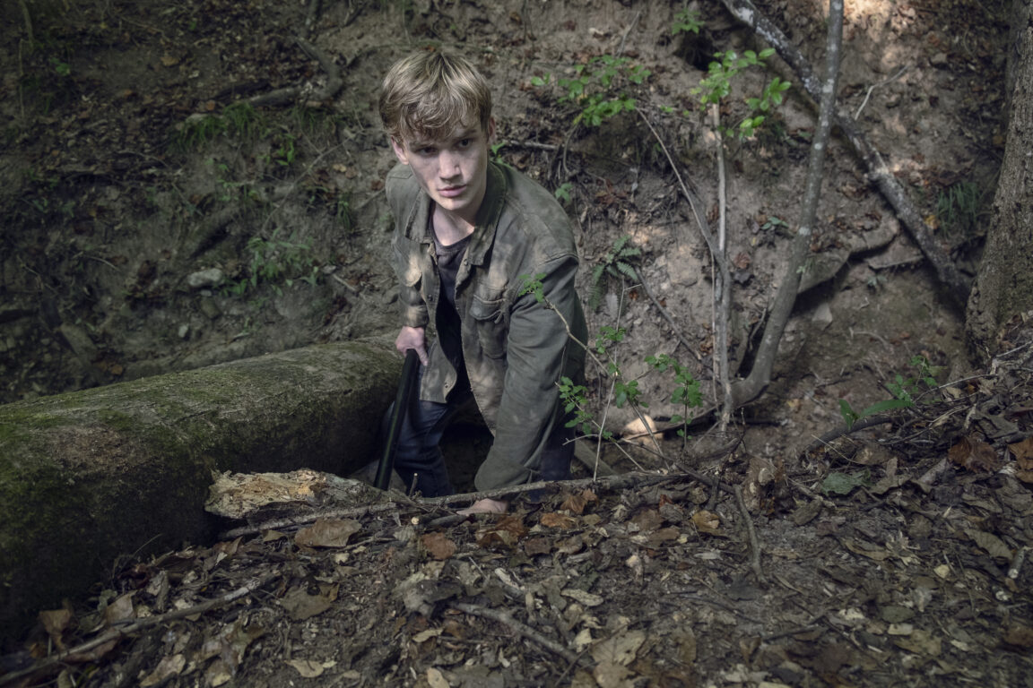 Henry looks for Lydia on The Walking Dead, Guardians