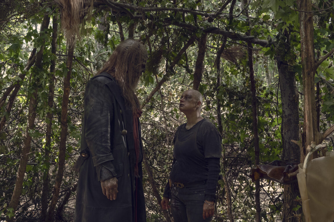 Alpha and Beta discuss their group's security on The Walking Dead, Guardians