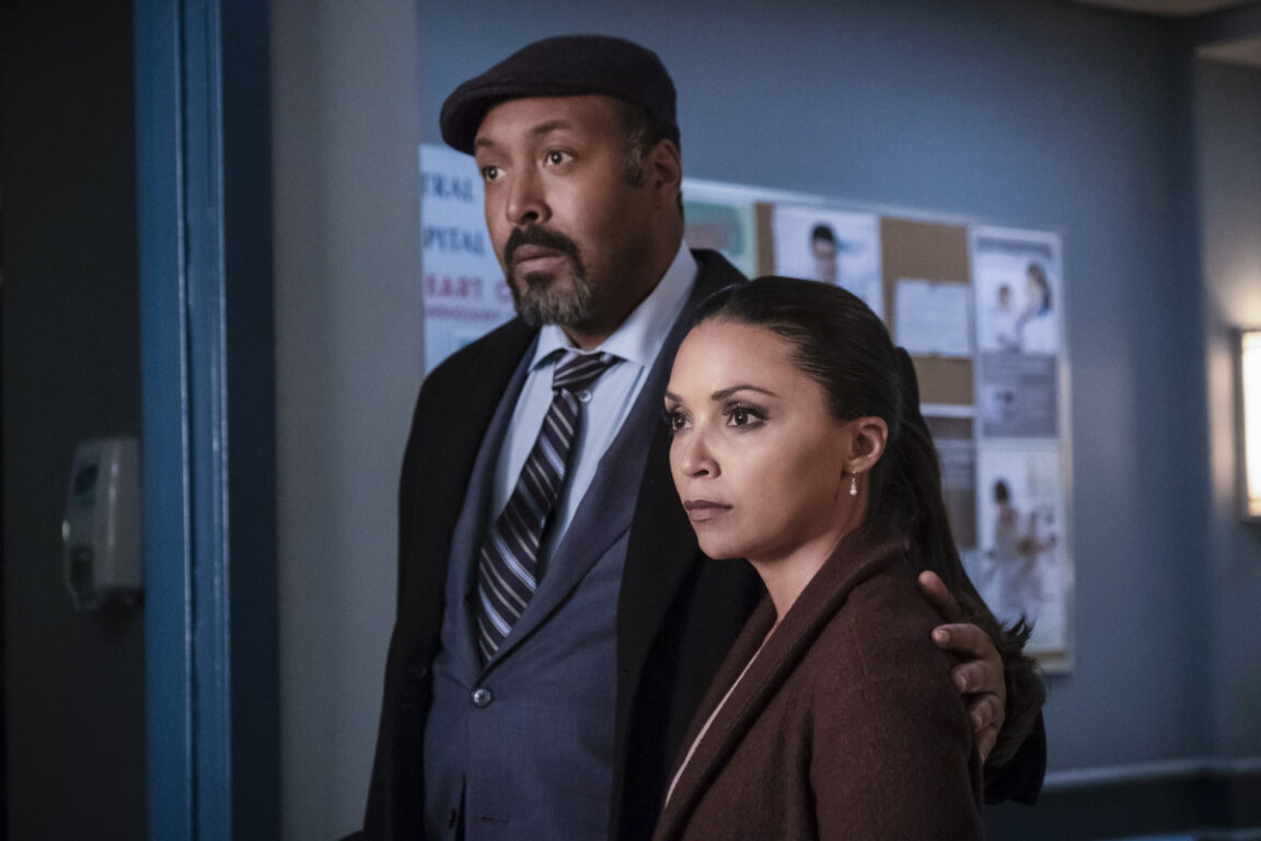 Joe and Cecile investigate together on The Flash, Time Bomb
