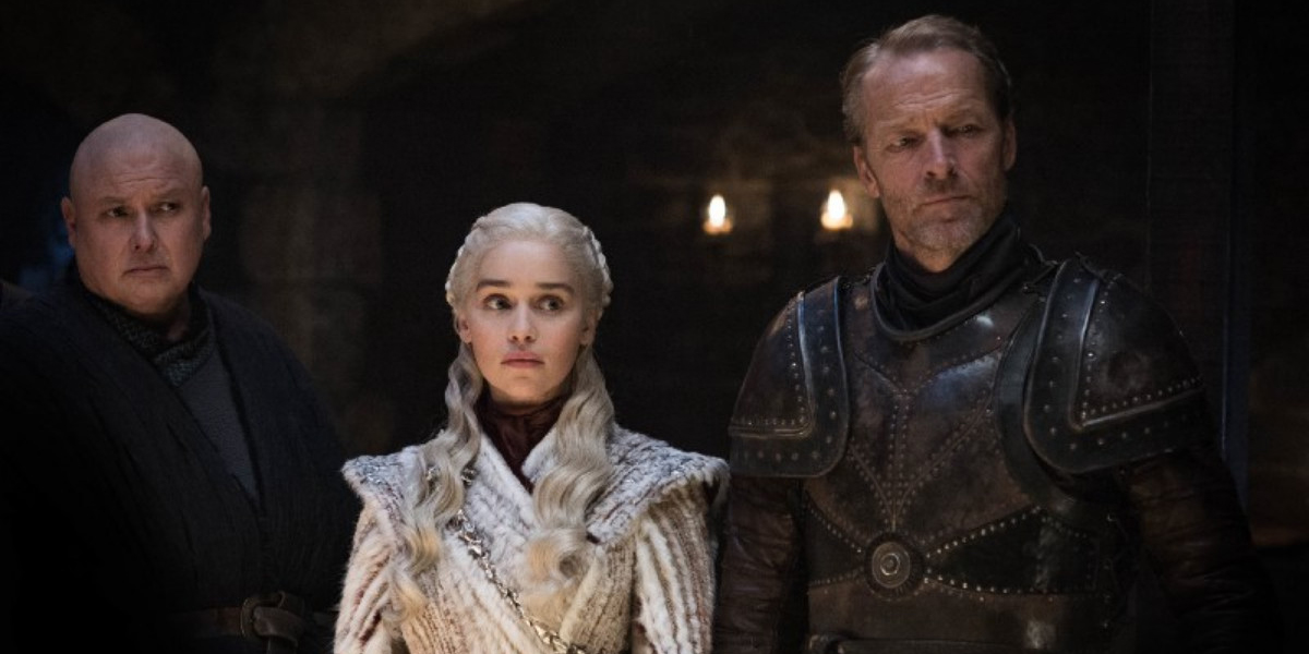 Varys, Daenerys and Jorah participate in a battle strategy session