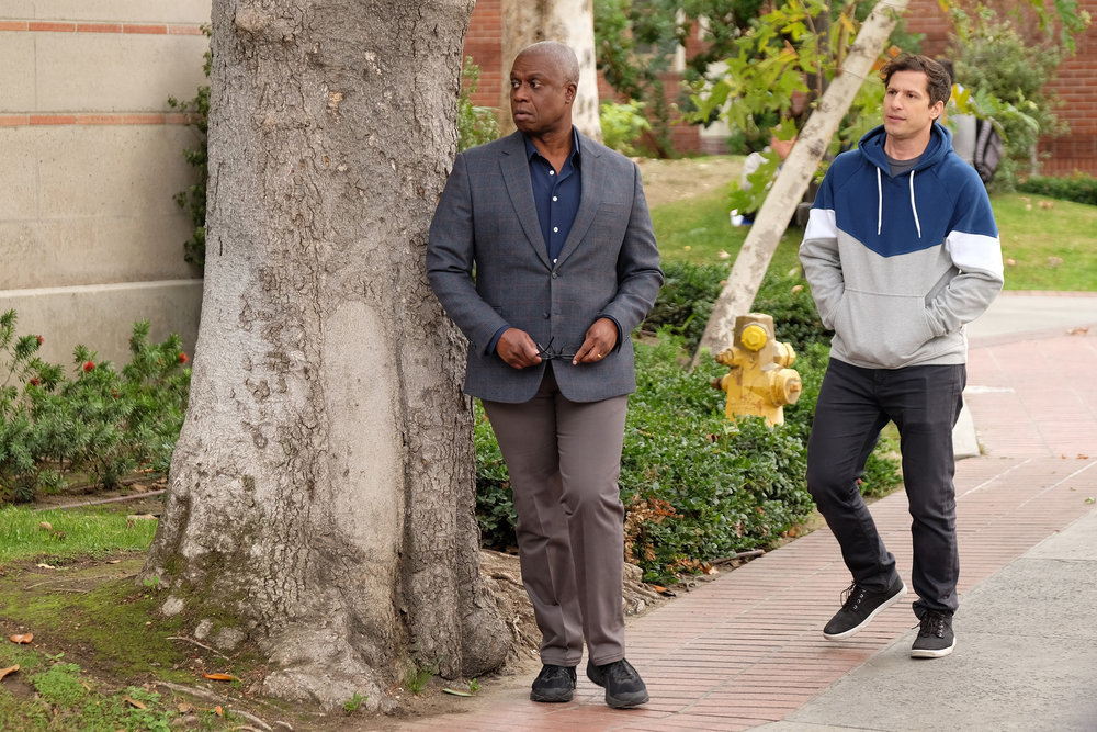 BROOKLYN NINE The Bimbo Episode 613 Pictured L R Andre Braugher As Ray Holt Andy Samberg Jake Peralta Photo By John P Fleenor NBC