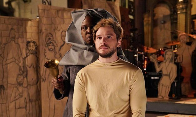 Leslie Jones Plays Out GAME OF THRONES Fantasy on Kit Harington for SNL Promo