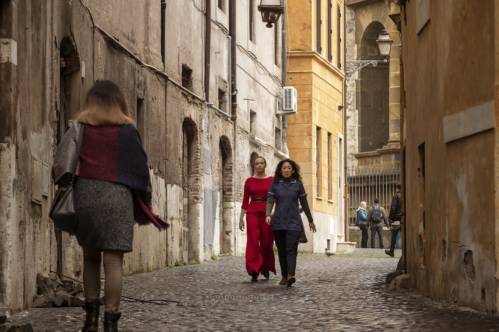 Still of Jodie Comer and Sandra Oh in Killing Eve