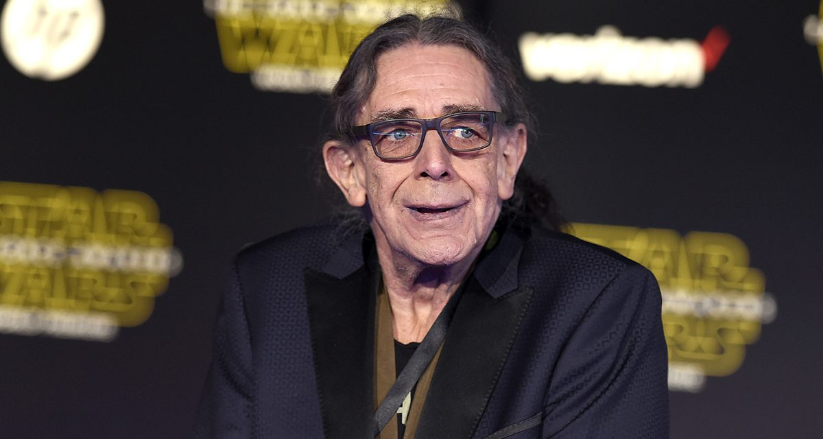Beloved STAR WARS Actor Peter Mayhew Passes Away at 74