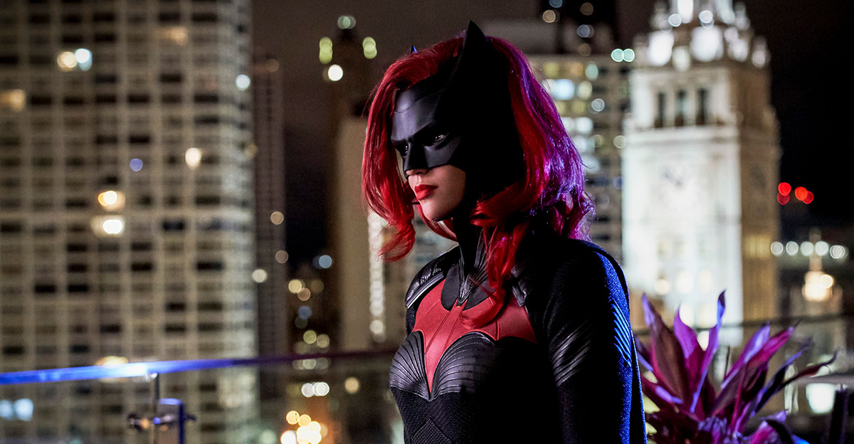 The Protector of Gotham Emerges in BATWOMAN Teaser