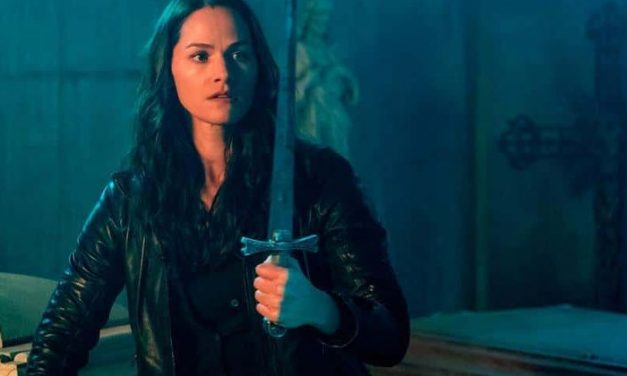 SDCC 2019: Syfy's VAN HELSING Releases Carnage-Filled Trailer at Comic-Con