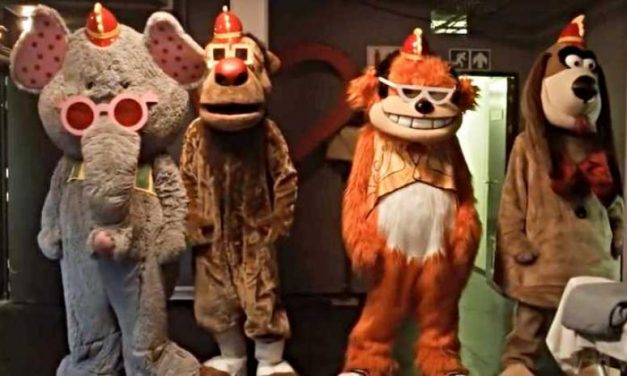 SDCC 2019: BANANA SPLITS Movie Trailer – This is NOT For the Kiddies!