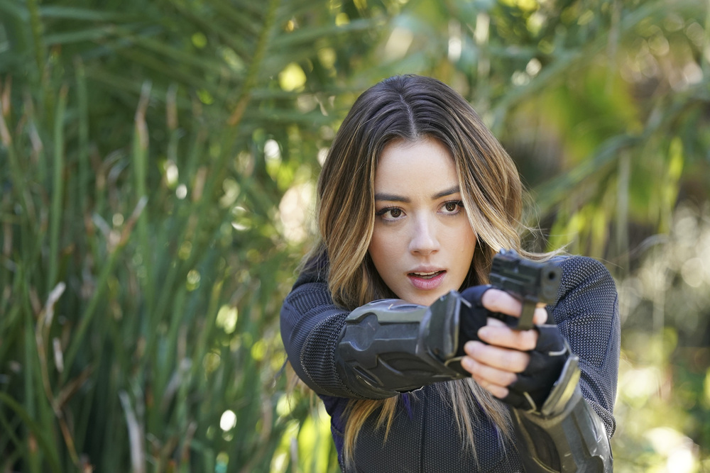 DAISY FIGHTS OFF THE SHRIKE ON MARVEL'S AGENTS OF S.H.I.E.L.D.