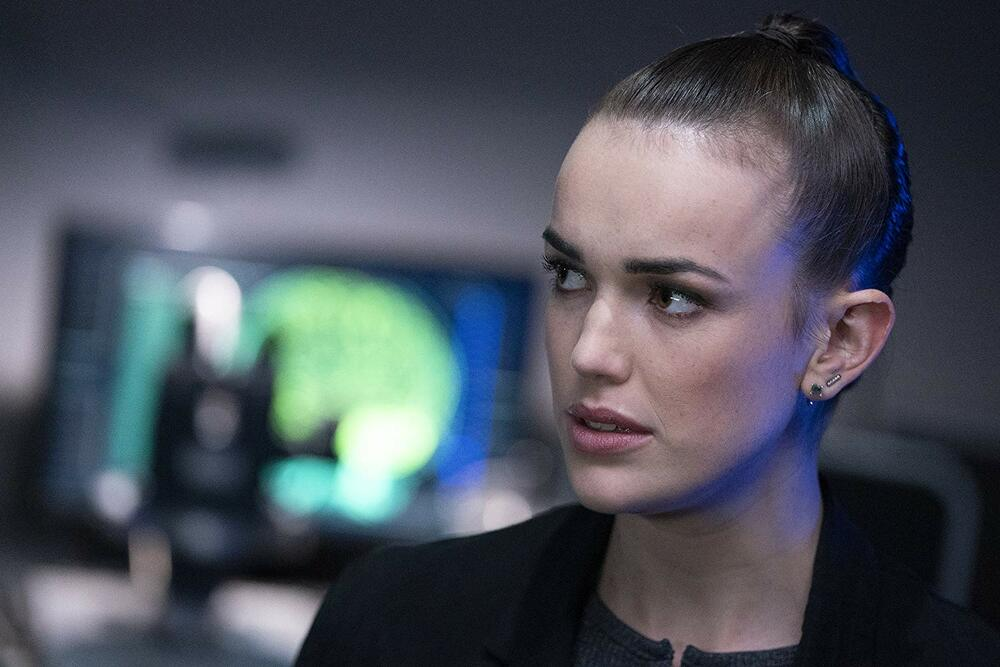 FITZSIMMONS MAKE A STUNNING REVELATION ON MARVEL'S AGENTS OF S.H.I.E.L.D.