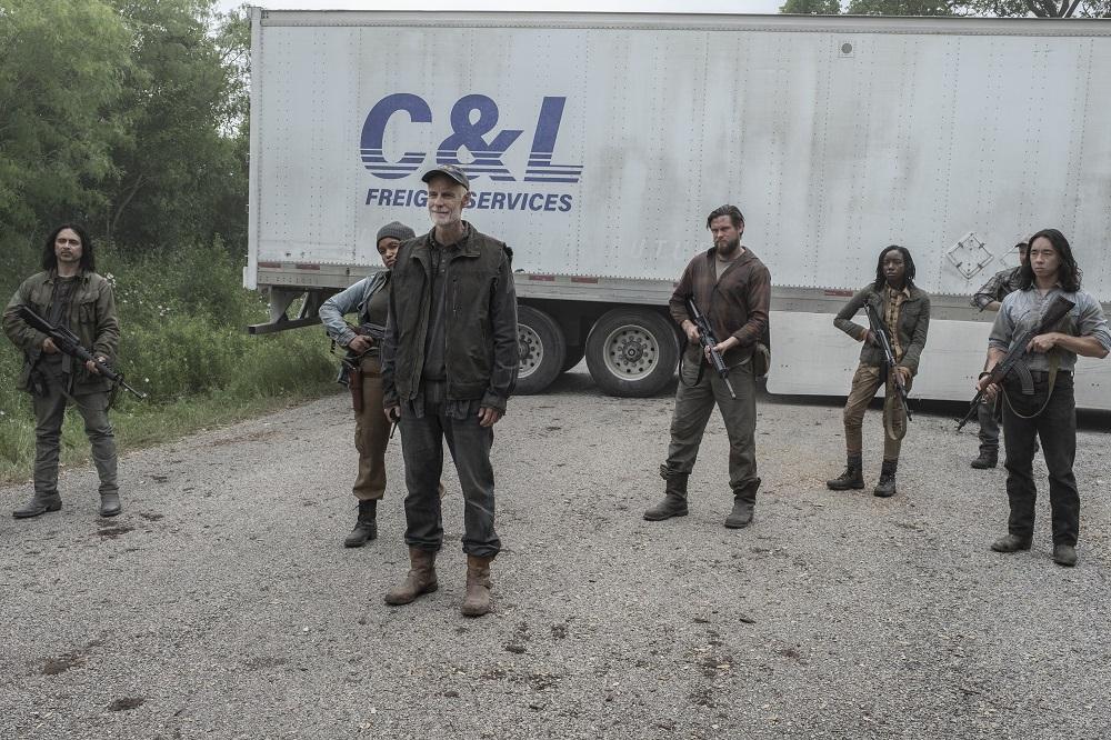 Logan sets a roadblock on Fear the Walking Dead