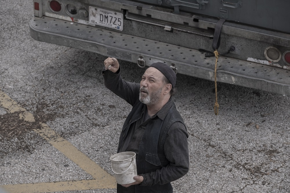 Daniel enjoys his trip with Grace on Fear the Walking Dead