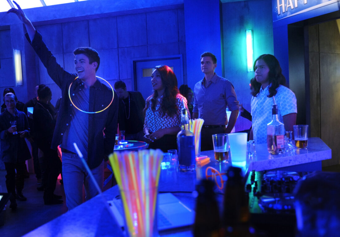 Barry throws a party for Frost on The Flash