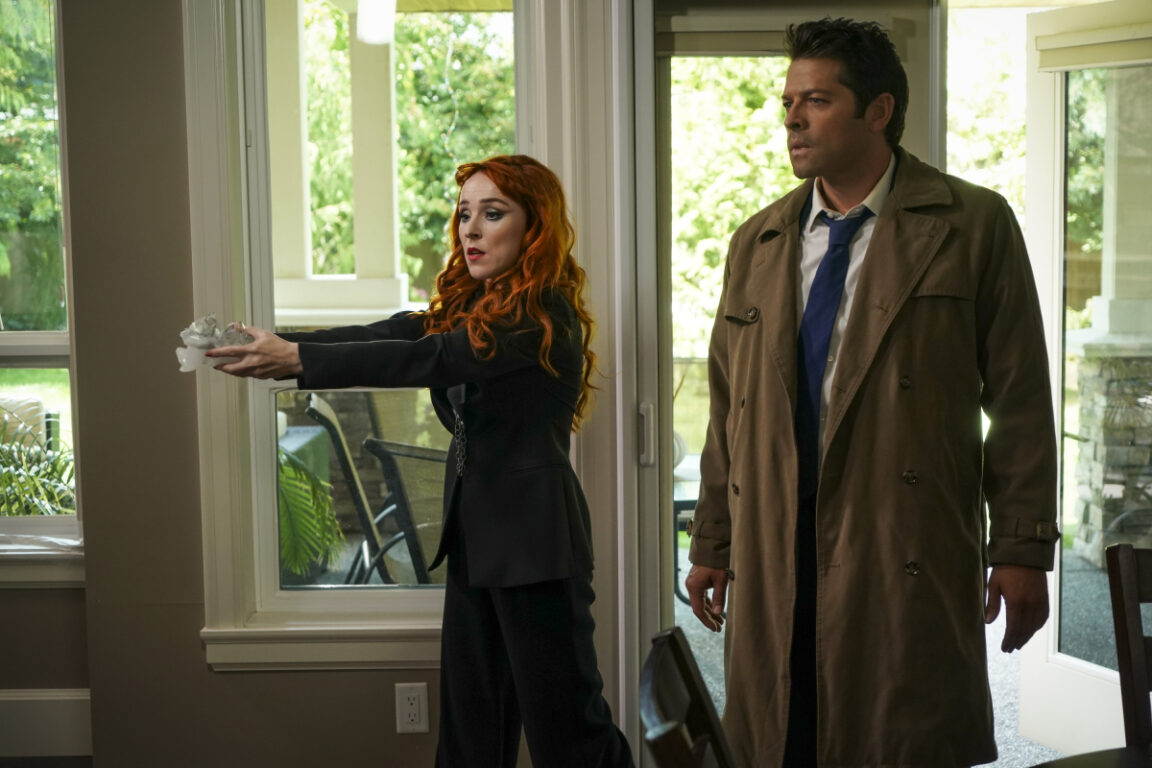 Rowena and Cas capture souls on Supernatural