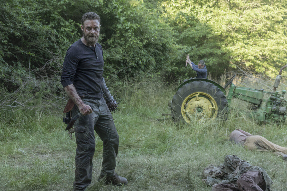 Aaron prepares for another wave of walkers in The Walking Dead