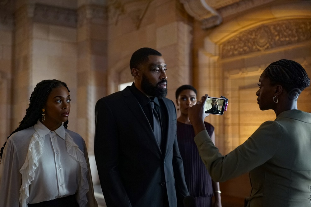 The Pierces Mourn a young man on Black Lightning/Into the Arrowverse