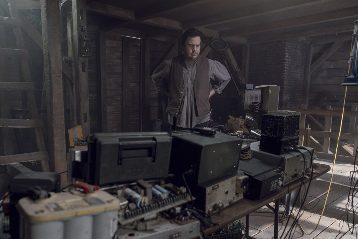 Eugene continues the Hilltop upgrades on The Walking Dead
