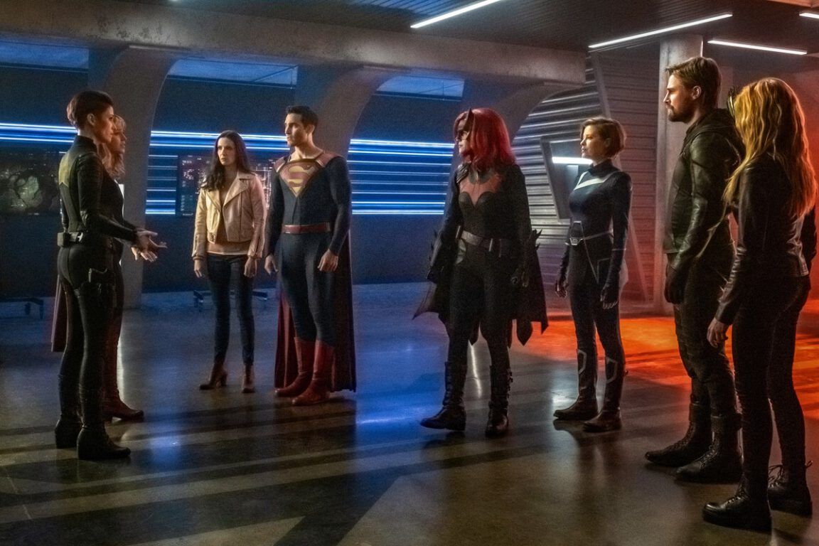 Heroes come together in the Arrowverse Crossover, Crisis on Infinite Earths