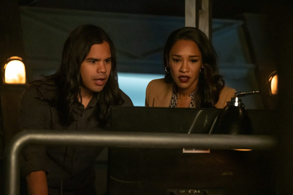 Cisco and Iris try to save Barry on The Flash