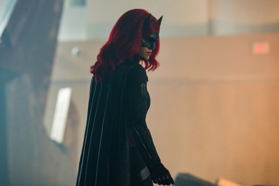 Batwoman joins the team in this years crossover Crisis on Infinite Earths