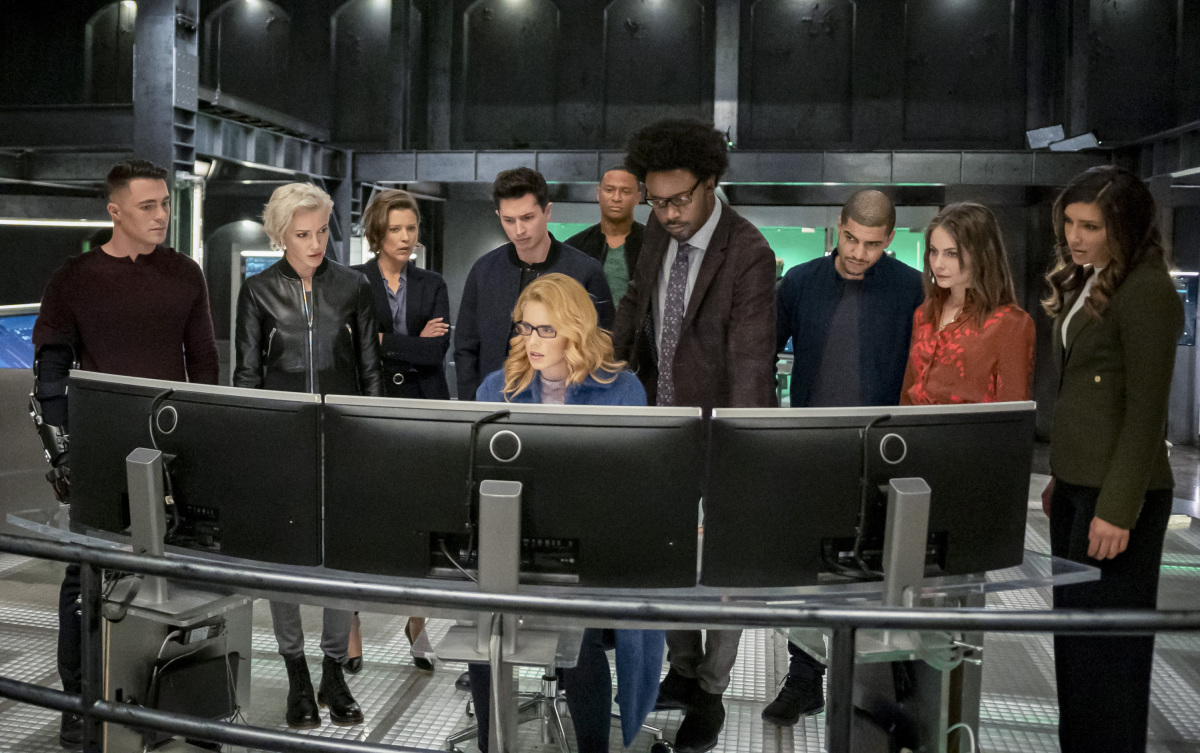 The Arrowverse works together one last time on Arrow