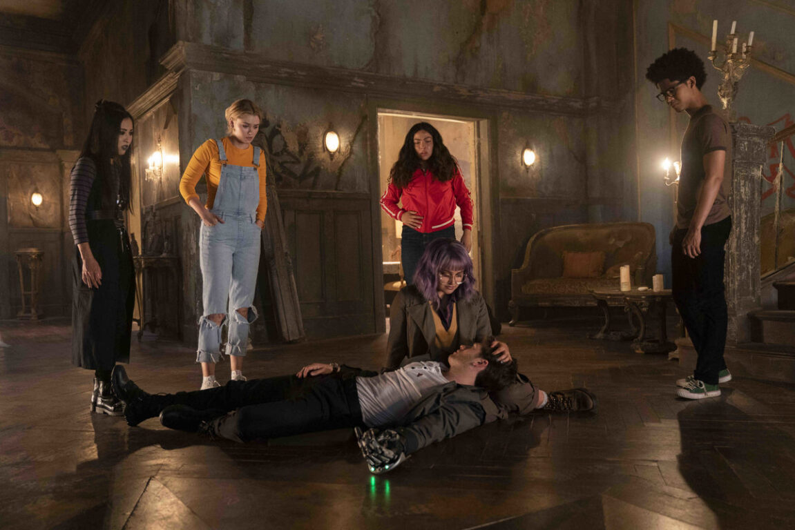 Future Chase dies to save Gert and their future on Runaways