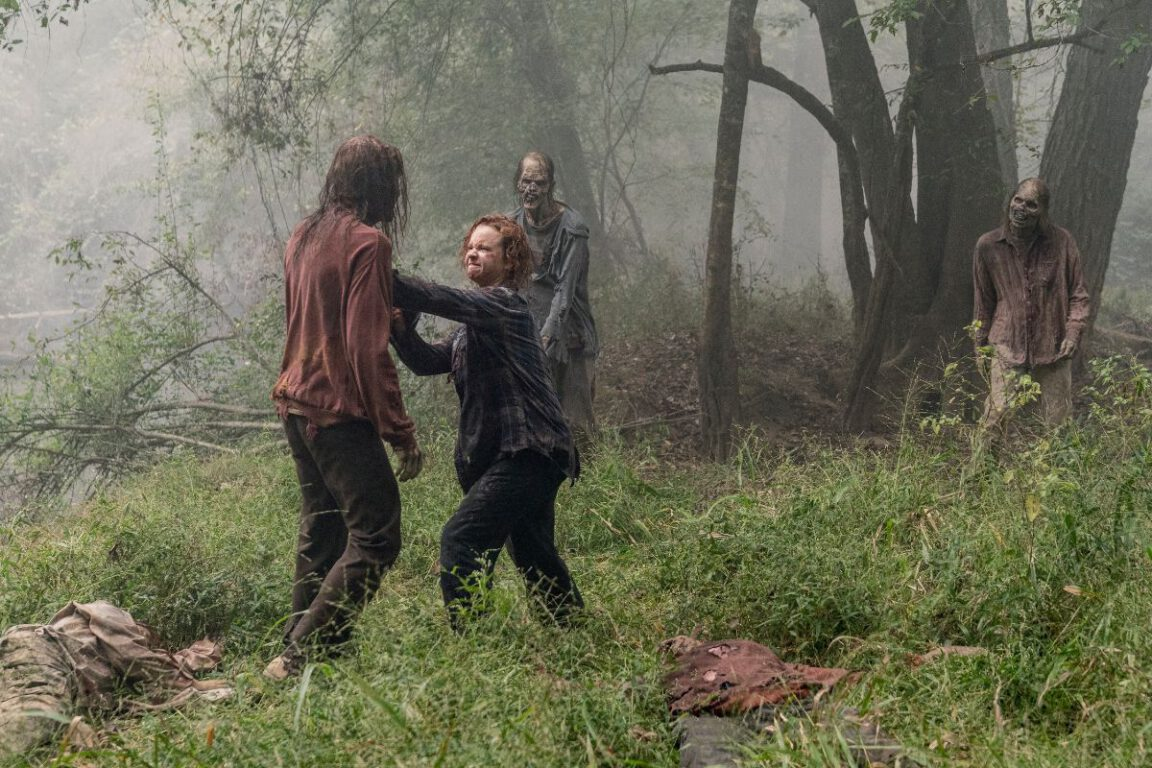Thora Birch as Gamma/Mary in The Walking Dead