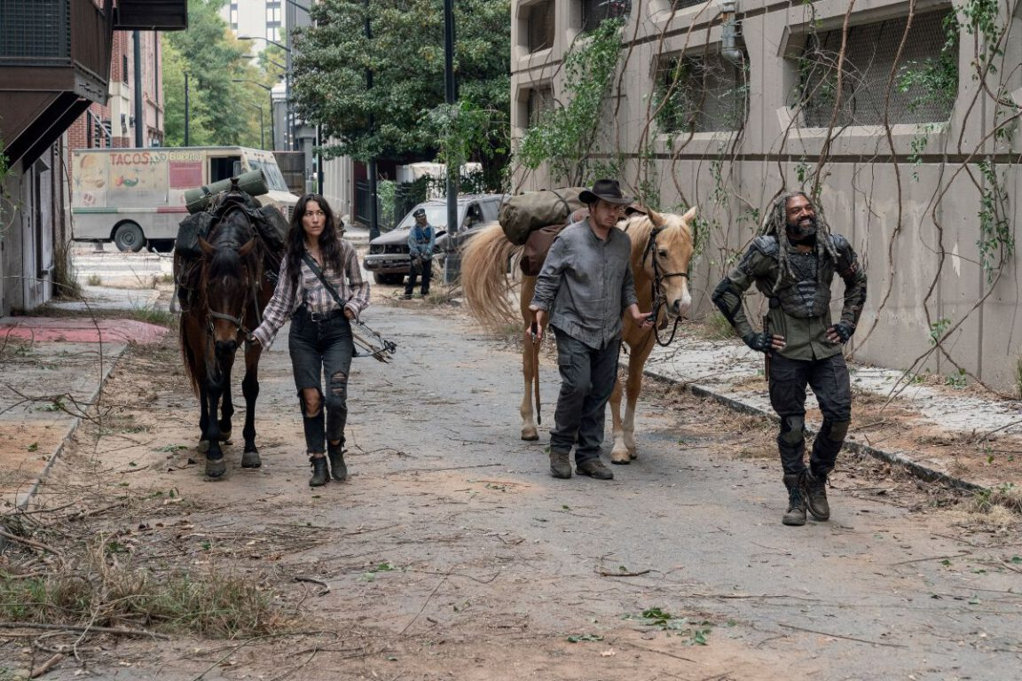 Yumiko, Eugene, and Ezekiel discover some amusing things on The Walking Dead