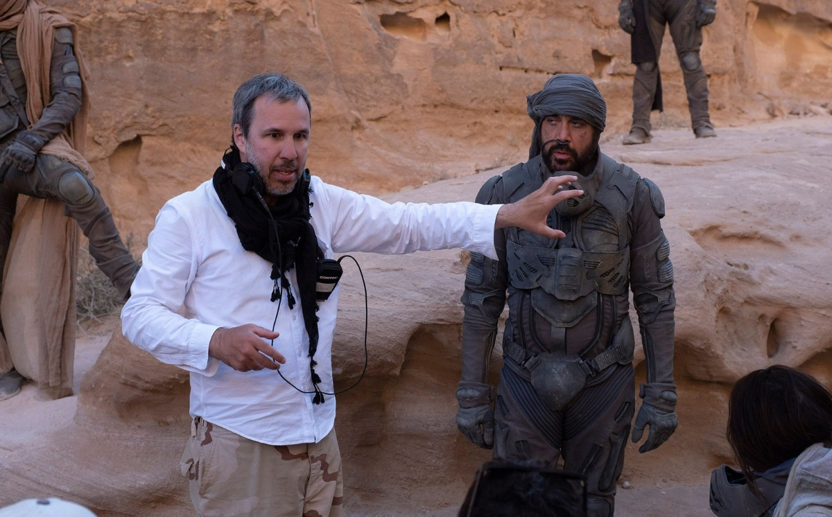 Director Denis Villeneuve and Javier Bardem as Stilgar in Dune