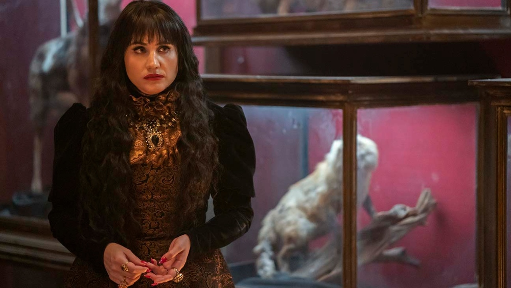 Nadia summons the spirits on WHAT WE DO IN THE SHADOWS