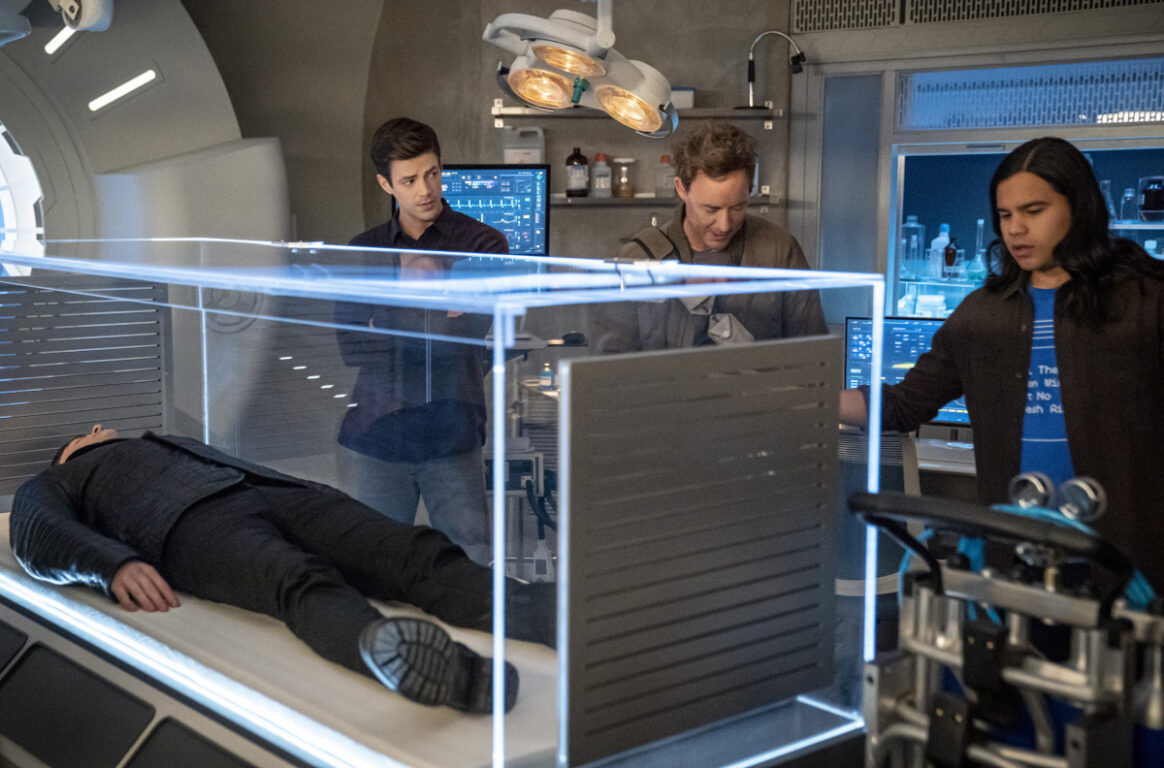 Grant Gustin as Barry Allen, Tom Cavanagh as Nash Wells and Carlos Valdes as Cisco Ramon  on The Flash