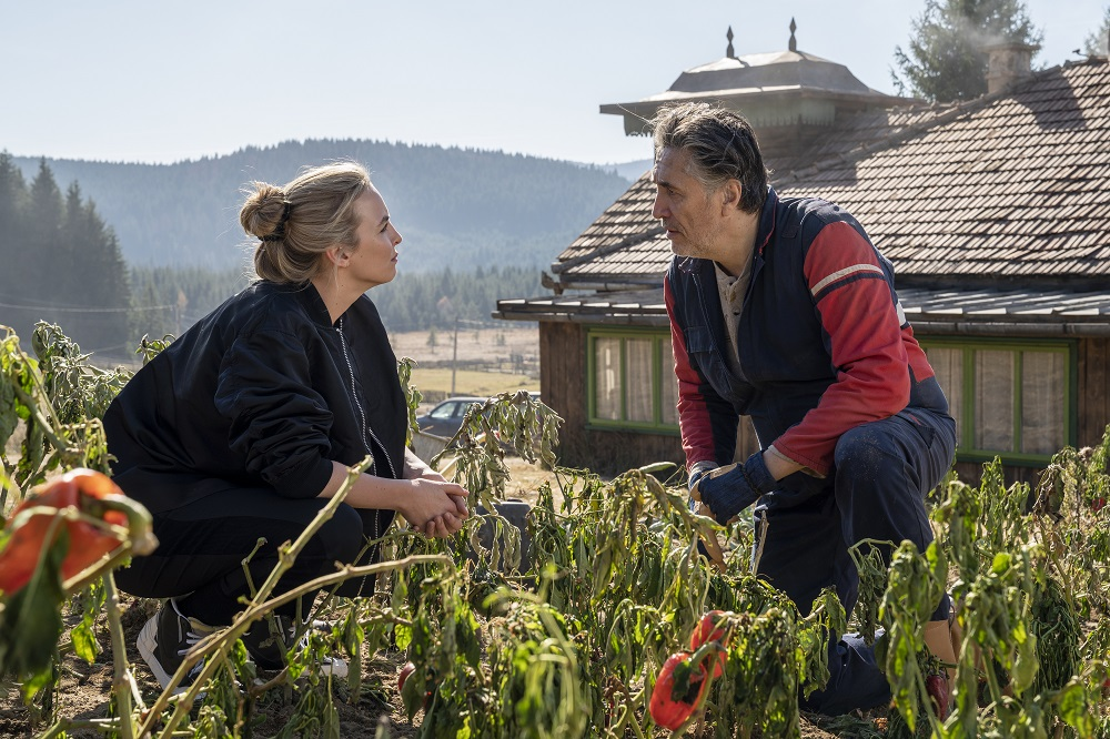 Still of Jodie Comer and Predrag Bjelac in Killing Eve.