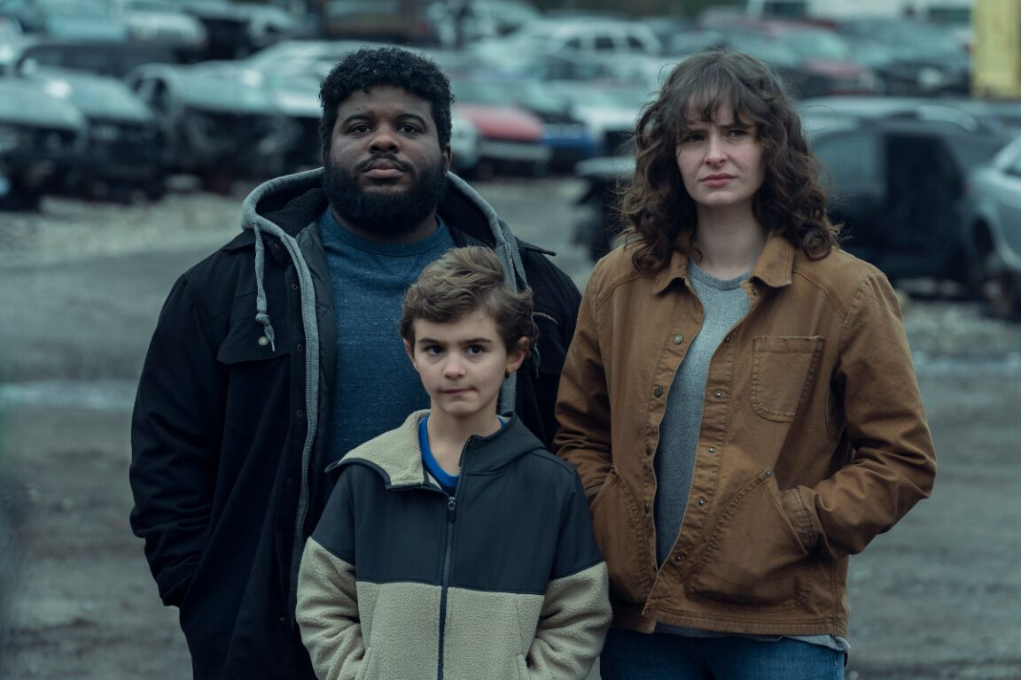 Ashleigh Cummings as Vic McQueen, Jonathan Langdon as Lou Carmody, Jason David as Wayne McQueen - NOS4A2 _ Season 2