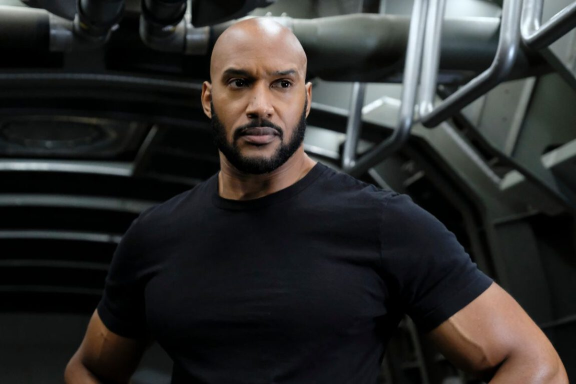 Director Mackenzie sets the new missIon on Marvel's Agents of S.H.I.E.L.D.