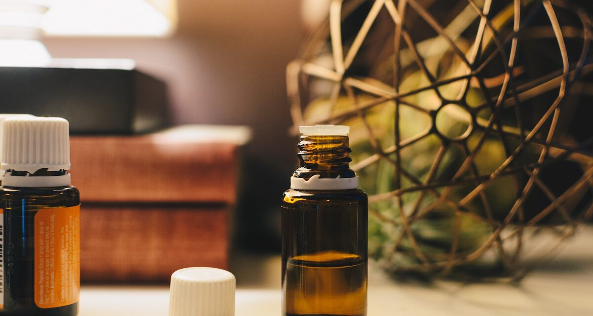 Learn How to Change Your Room Atmosphere Using Aroma Essential Oils