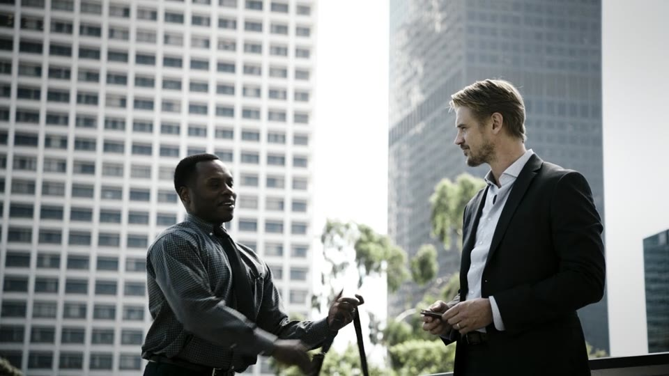 Malcolm Goodwin, Boyd Holbrook in The Fugitive