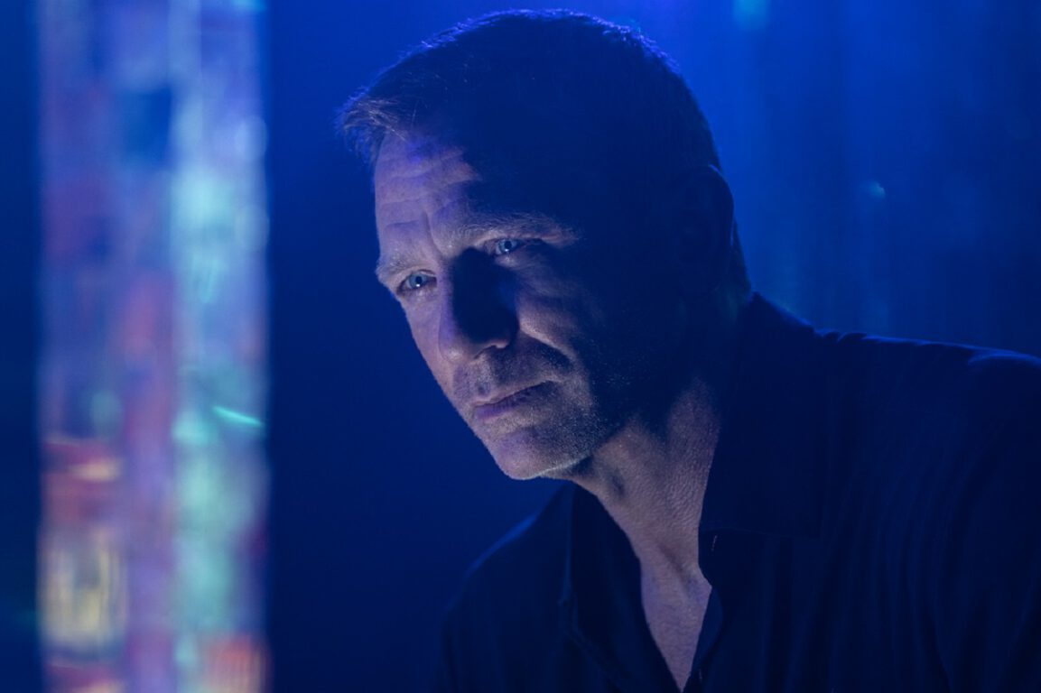 Still of Daniel Craig in No Time to Die.