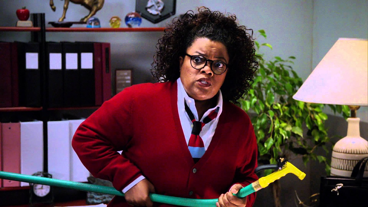 """Still of Yvette Nicole Brown in Community's Halloween episode, """"Introduction to Statistics."""""""