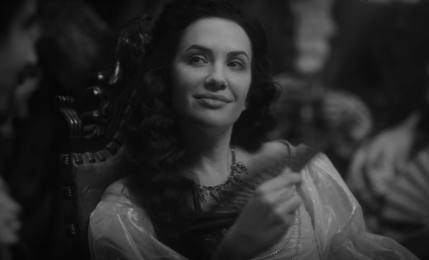 Viola Llyod portrayed by Kate Siegel in the Haunting of Bly Manor.