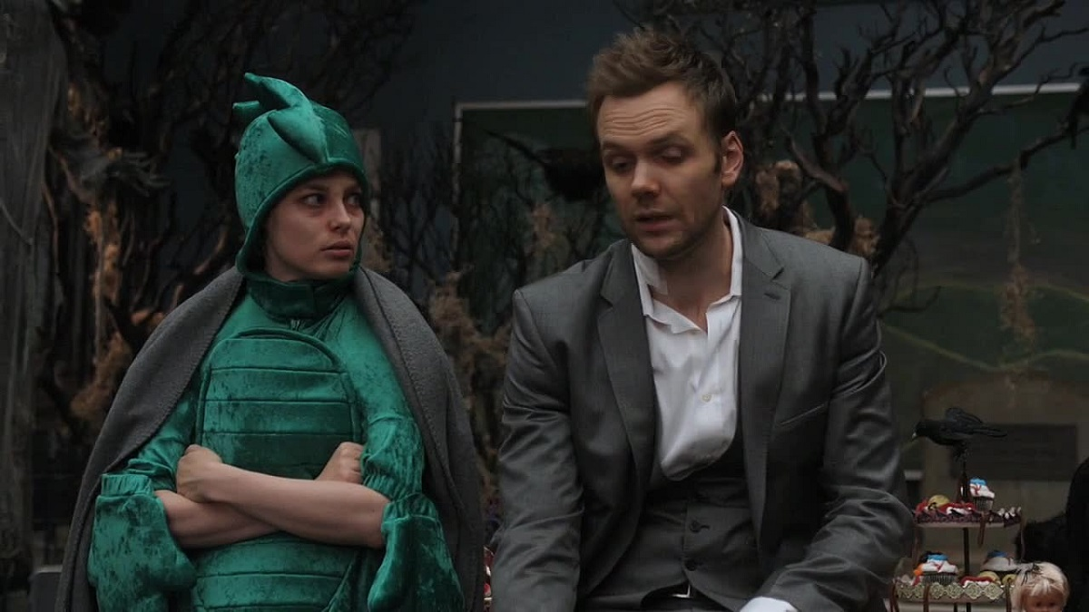 "Still of Gillian Jacobs and Joel McHale in Community's ""Epidemiology."""