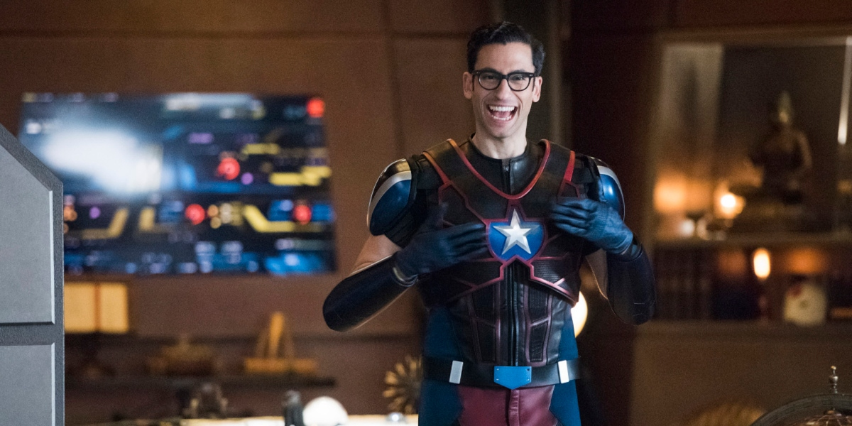 DC's LEGENDS OF TOMORROW Promotes Fan Favorite to Series Regular