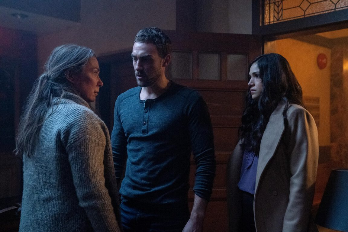 Still of Elizabeth Marvel, Tom Austen and Ariana Guerra in Helstrom.