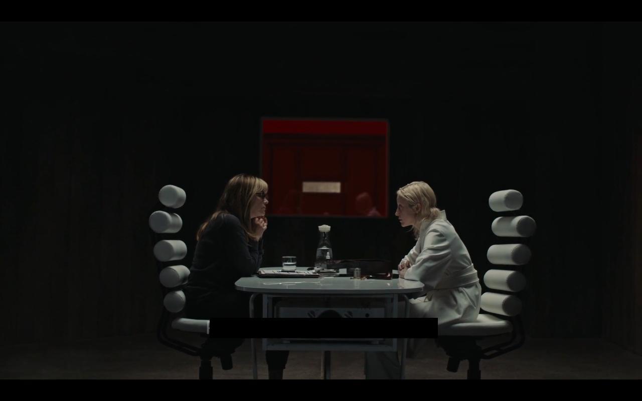 Andrea Riseborough, Jennifer Jason Leigh in Possessor Uncut