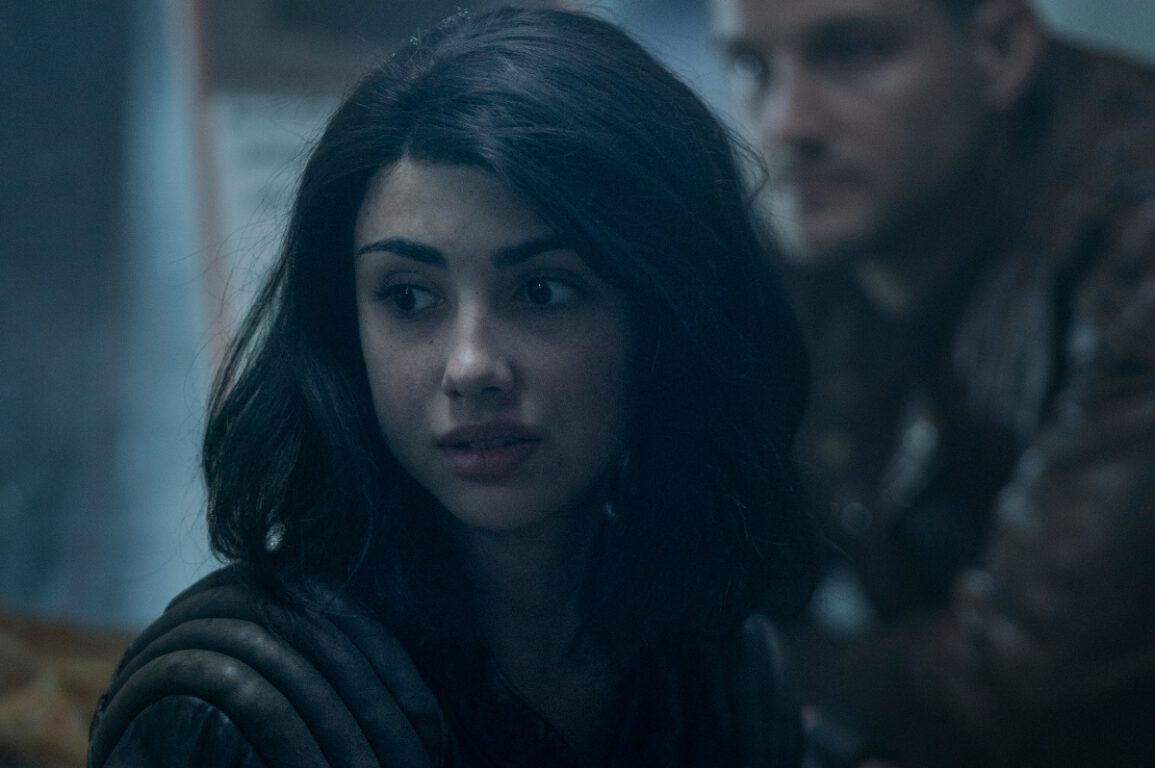 Hope deals with keeping the truth to herself or disrupting the group on The Walking Dead: World Beyond