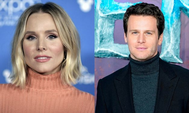 Kristen Bell and Jonathan Groff Get Musical for MOLLY AND THE MOON